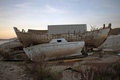 Oude rotte houten schepen stock foto's