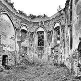 Oude ruïne Artistiek kijk in zwart-wit Stock Foto's