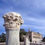 Oude ruïnes op Kos dichtbij de haven stock foto