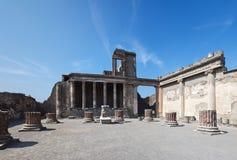 Oude ruïnes van basiliek, Pompei (Italië) Royalty-vrije Stock Afbeelding