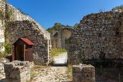 Oude ruïnes van de kerk van Heilige Barbara in stad van Melnik, Bulgarije royalty-vrije stock foto