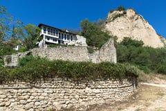 Oude ruïnes van de kerk van Heilige Barbara in stad van Melnik, Bulgarije stock foto