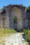 Oude ruïnes van de kerk van Heilige Barbara in stad van Melnik, Bulgarije stock afbeelding