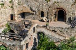 Oude ruïnes van de oude stad stock foto's