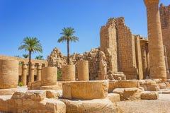 Oude ruïnes van tempel Karnak in Egypte Stock Foto's