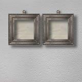 Oude ruimte, grunge binnenland met frames Royalty-vrije Stock Foto's