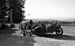 Oude Russische of Duitse militaire fiets royalty-vrije stock fotografie
