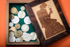 Oude Russische geld en muntstukken stock afbeeldingen