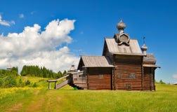 Oude Russische houten kerk Royalty-vrije Stock Afbeeldingen