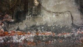 Oude rustieke baksteen en de gebarsten achtergrond van de pleistertextuur stock foto