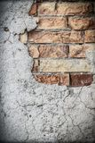 Oude rustieke pleister en bakstenen muur royalty-vrije stock foto's