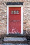 Oude Rustieke Rode Deur Stock Afbeelding