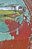 Oude rustieke vrachtwagen met schilverf Royalty-vrije Stock Foto
