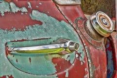 Oude rustieke vrachtwagen met schilverf Royalty-vrije Stock Foto's