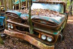 Oude Schrootvrachtwagen royalty-vrije stock afbeelding