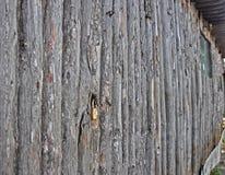 Oude schuur met hangslot Stock Afbeeldingen