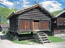 Oude Skandinavische Schuur Stock Foto