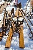 Oude ski stock foto's