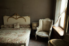 Oude slaapkamer royalty-vrije stock afbeelding