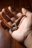 Oude sleutel ter beschikking Royalty-vrije Stock Foto