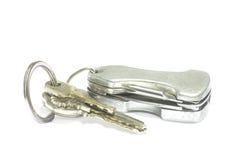 Oude sleutels op witte achtergrond Stock Afbeeldingen