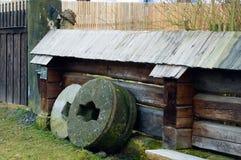Oude slijpstenen Stock Foto