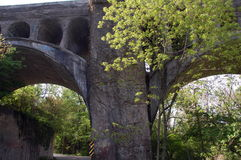Oude spoorwegbrug Stock Afbeeldingen