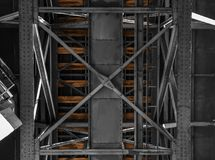 Oude Spoorwegbrug in porto stock afbeelding