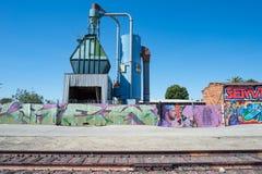 Oude spoorwegsporen en de industrie in Zuid-Los Angeles royalty-vrije stock foto's