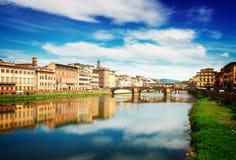 Oude stad en rivier Arno, Florence, Italië royalty-vrije stock foto's