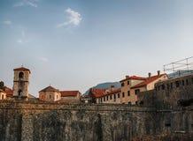 Oude stad in Kotor, Montenegro stock afbeeldingen