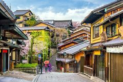 Oude stad Kyoto, het Higashiyama-District tijdens sakuraseizoen stock afbeelding