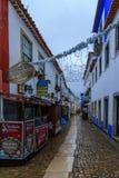 Oude stad, met Kerstmisdecoratie, Obidos Stock Fotografie