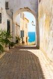 Oude stad met overzeese mening in Albufeira, Algarve, Portugal royalty-vrije stock foto's