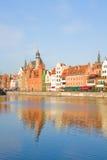 Oude stad over rivier Motlawa, Gdansk Stock Afbeeldingen