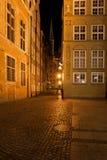 Oude stad van Gdansk bij nacht in Polen Royalty-vrije Stock Afbeelding