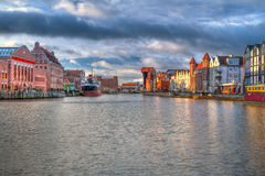 Oude stad van Gdansk bij zonsopgang Stock Foto's