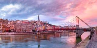 Oude stad van Lyon bij schitterende zonsondergang, Frankrijk royalty-vrije stock foto's