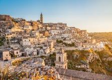 Oude stad van Matera (Sassi di Matera) bij zonsopgang, Basilicata, Italië Royalty-vrije Stock Afbeelding