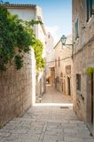 Oude stad van Rab op het Eiland Rab, Kroatië, een charmante historische stad stock afbeelding