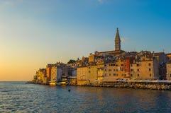 Oude stad van Rovinj bij zonsondergang, Istrian-Schiereiland, Kroatië Stock Afbeelding