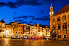 Oude Stad van 's nachts Torun Stock Foto's
