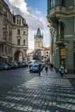 Oude stadhuistoren in Praag Stock Afbeeldingen