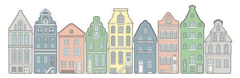 Oude stads Europese straat met leuke huizen Stock Fotografie