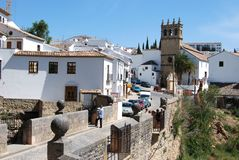 Oude stadsgebouwen en brug, Ronda, Spanje royalty-vrije stock afbeelding