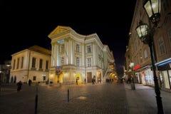 : Oude stadsopen plek van Praque bij nacht Stock Fotografie