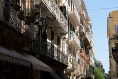 Oude stadsstraat Korfu Stock Afbeelding