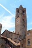 Oude stadstoren Torre Civica in Bergamo, Citta Alta Stock Afbeeldingen
