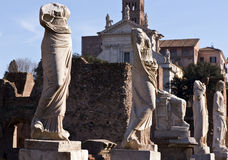 Oude standbeelden in de stad van Rome Stock Foto's