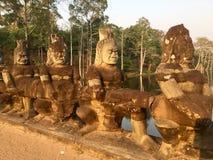 Oude Standbeelden Hindoese Mythologie kambodja royalty-vrije stock afbeelding